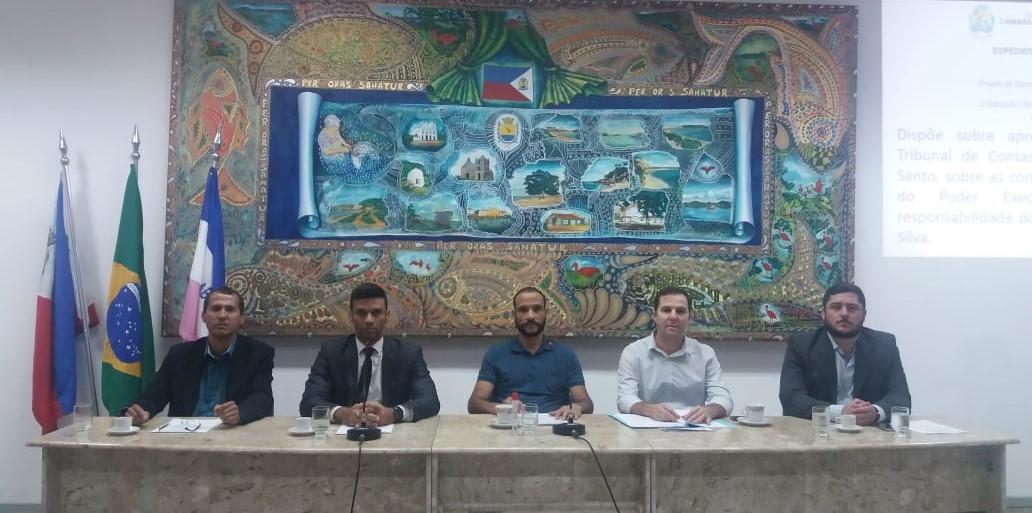 Câmara aprova contas do ex-prefeito Orly Gomes