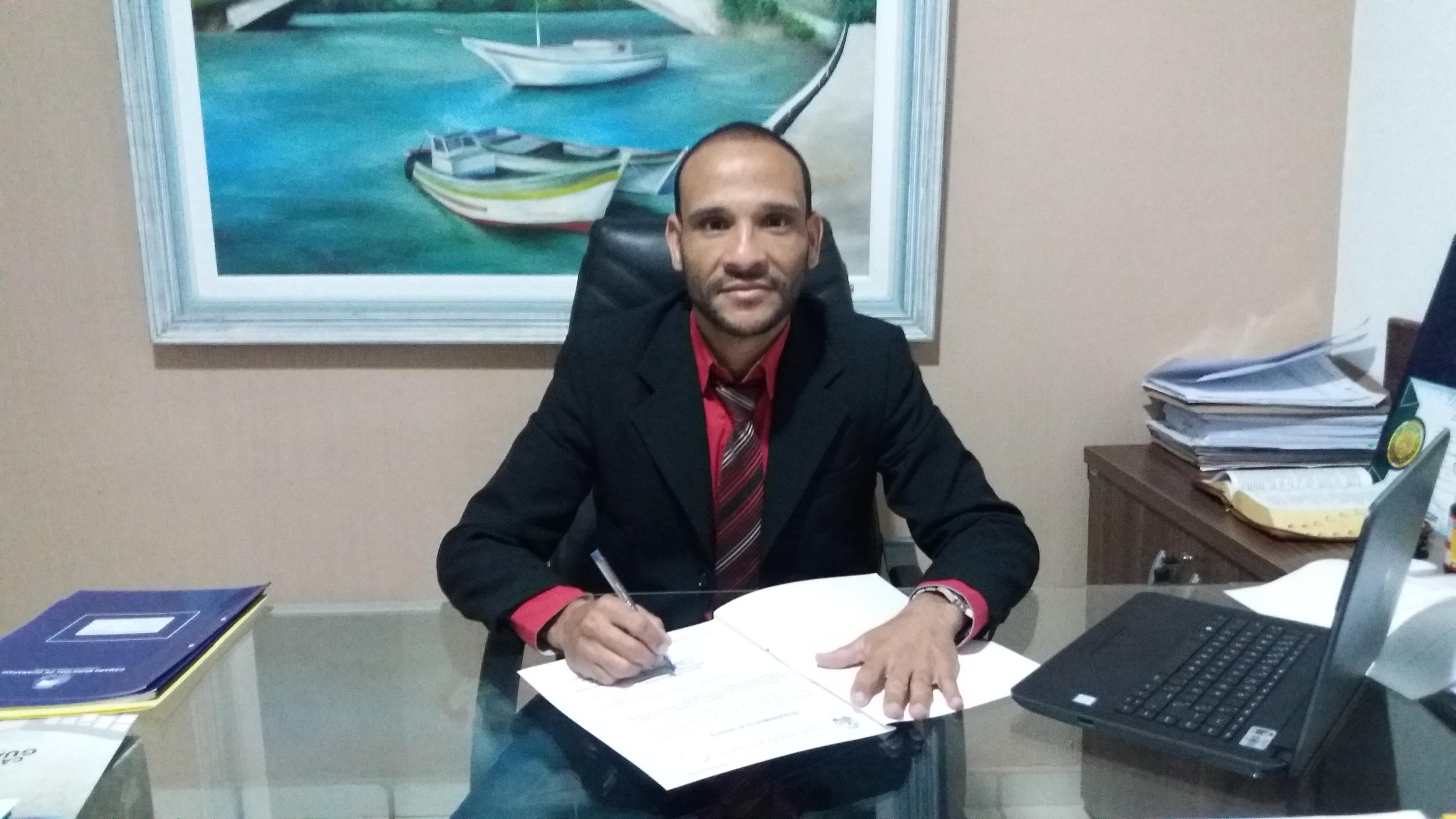 Presidente anuncia aumento de 4,67% para todos os servidores da Câmara de Guarapari