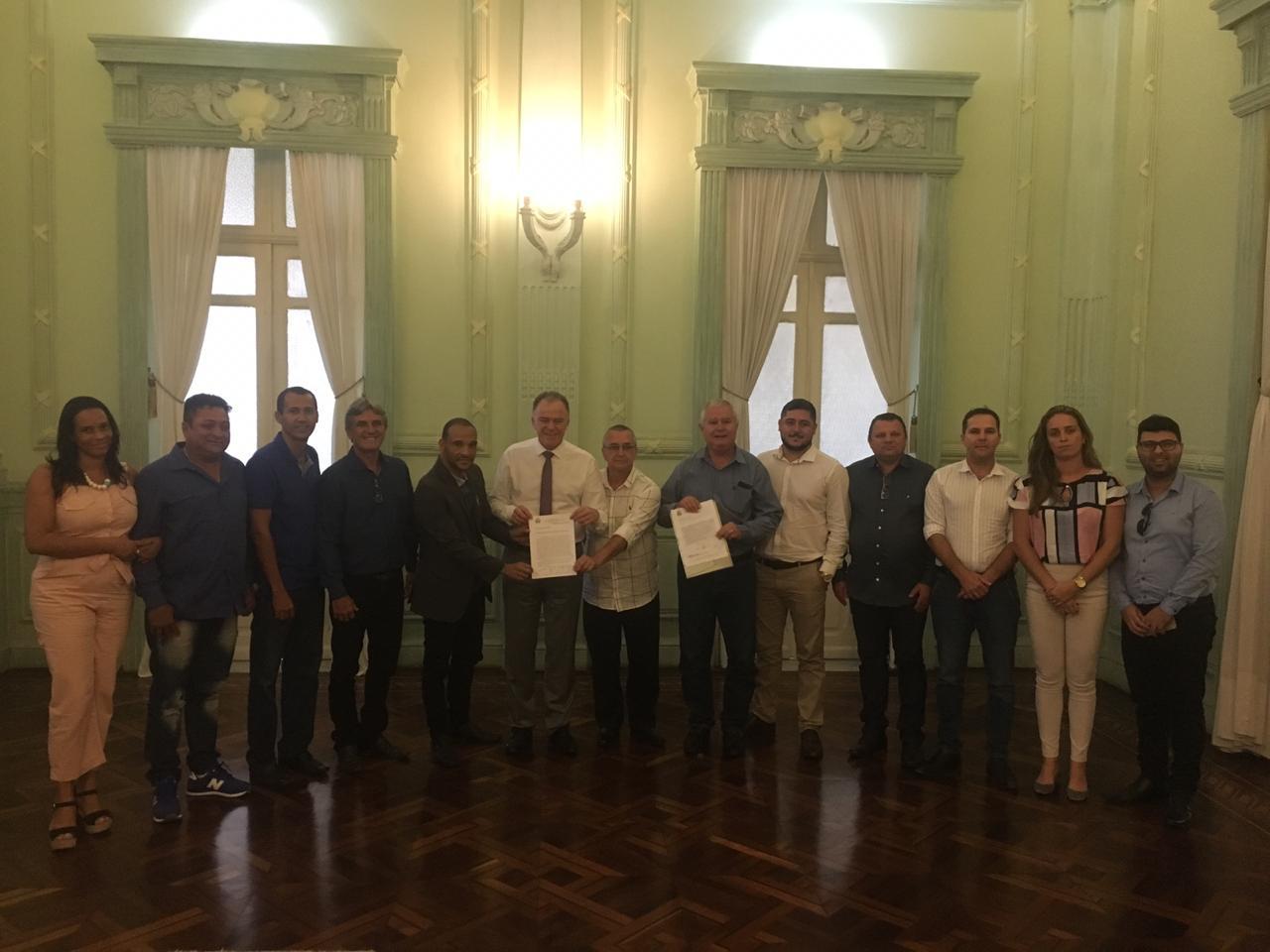 Vereadores se reúnem com governador para pedir investimentos no interior de Guarapari