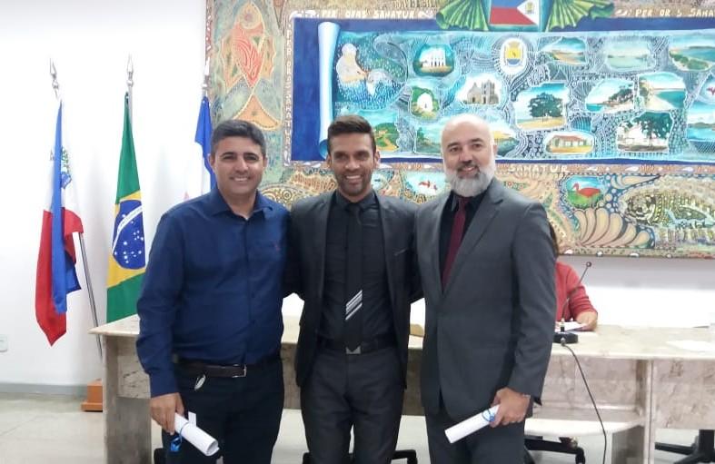 Vereador Oziel de Souza com os pastores Eduardo Oliveira e Heron Friasça.